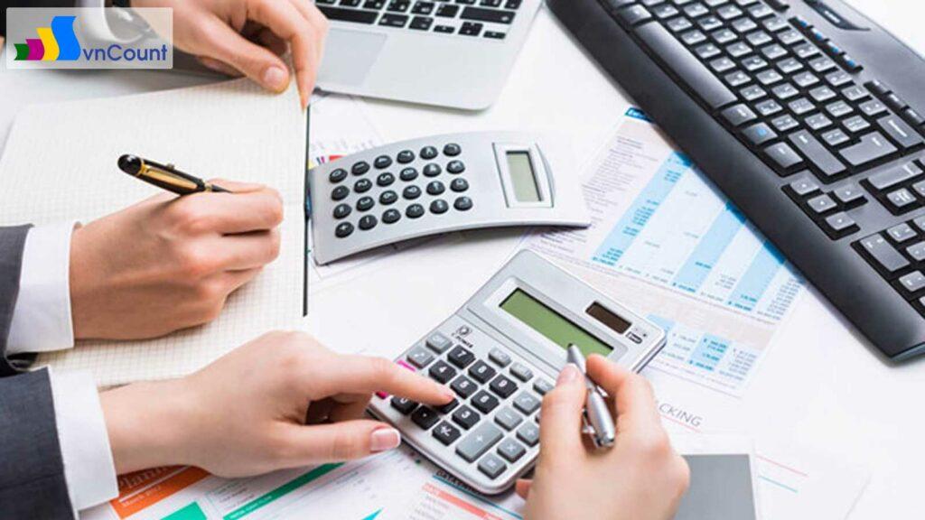 đăng ký đầu tư trước khi đăng ký thành lập doanh nghiệp hay không?