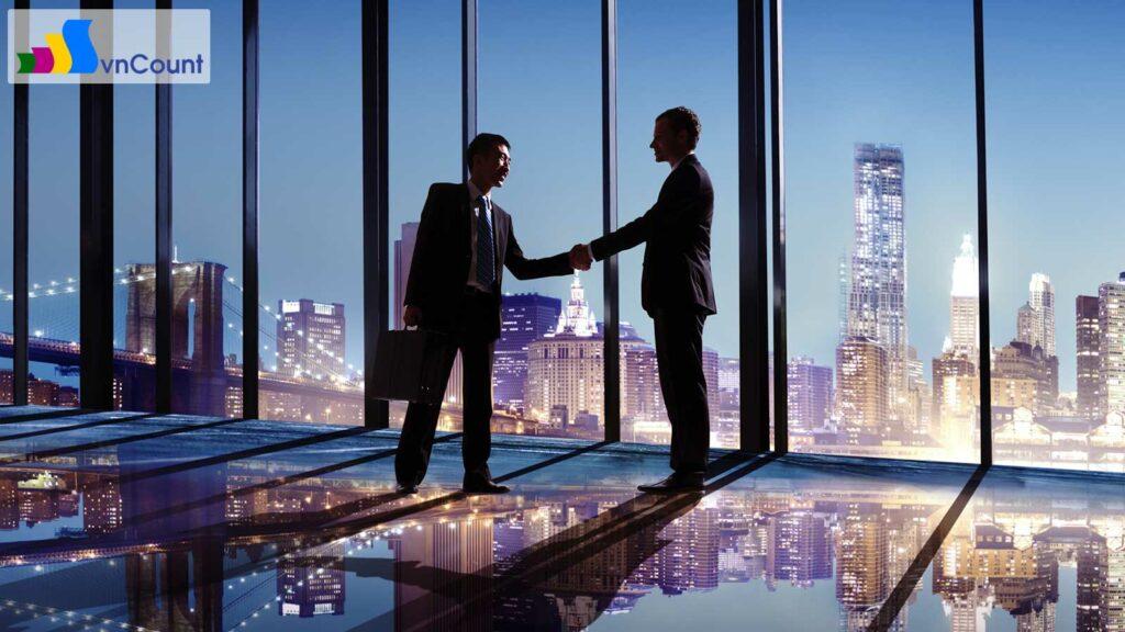 thực hiện đăng ký với cơ quan đăng ký kinh doanh không