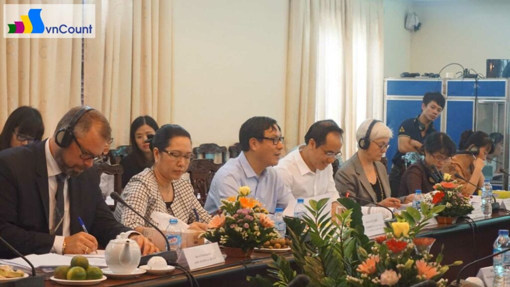 Đặng Huy Đông Thứ trưởng Bộ KH ĐT phát biểu tại cuộc họp