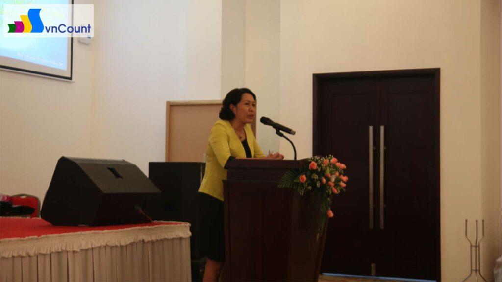 Bà Trần Thị Hồng Minh – Cục trưởng Cục QLĐKKD phát biểu tại Hội nghị