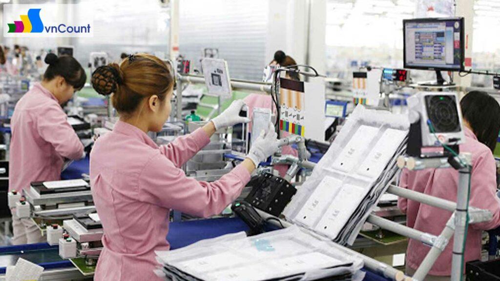 số lượng doanh nghiệp đăng ký thành lập mới và số vốn đăng ký đạt kỷ lục so với cùng kỳ các năm