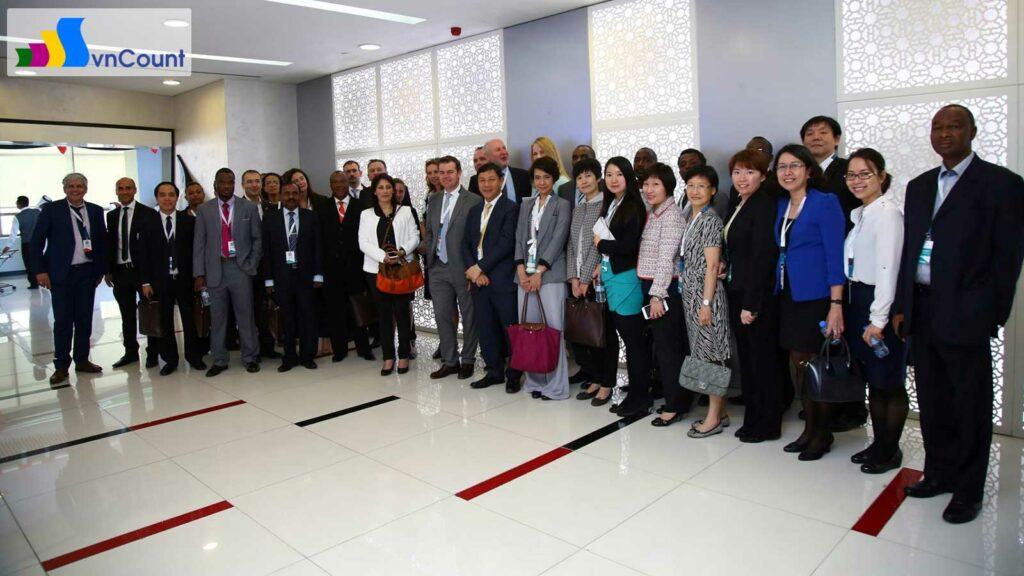 tham quan Cơ quan đăng ký kinh doanh của Abu Dhabi