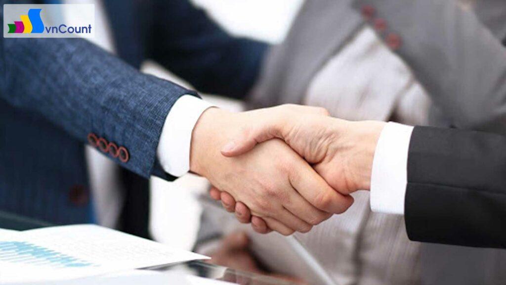 về vốn điều lệ công ty và thời hạn thực hiện góp vốn điều lệ